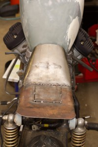 seat pan with new custom fuel tank on Honda CX500 Cafe Racer