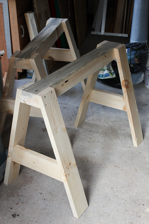Sturdier sawhorse design for alaskan saw milling logs into lumber
