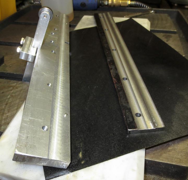 Hand sharpening planer blades